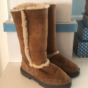 Used Ugg Boots Size 8 sooooo comfy!!!